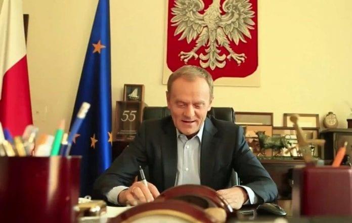 Syngende_statsminister_sætter_fokus_på_EU_jubilæum_i_Polen