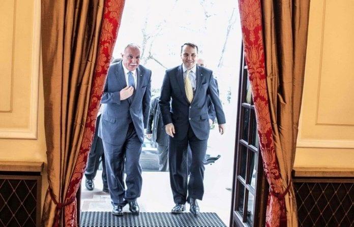 Udenrigsministeren_i_Polen_mødes_med_Palæstinas_udenrigsminister