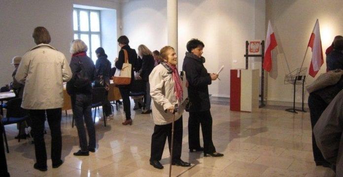 Valglokale_i_Gdansk_Valg__9_oktober_2011_Polen_polennu