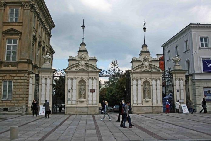 Warszawa_Universitet_indgang_3