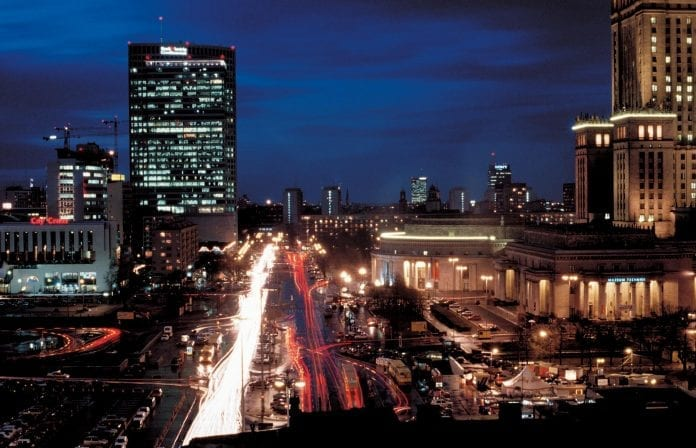 Warszawa_by_night_Polen