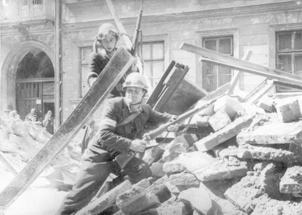 Warszawa_opstanden_polennu