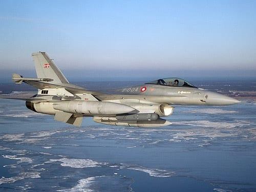 danske_f-16_fly_polen_polennu
