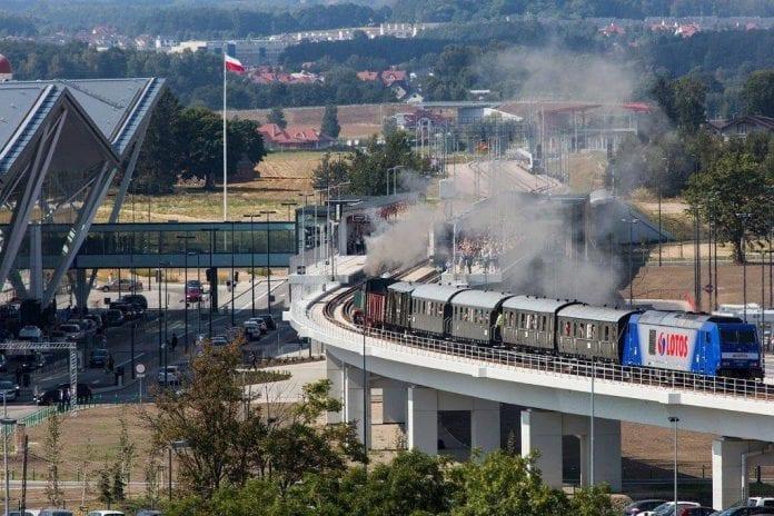 gdansk_1_september_2015_walesa_lufthavn_tog_til_gdansk_0