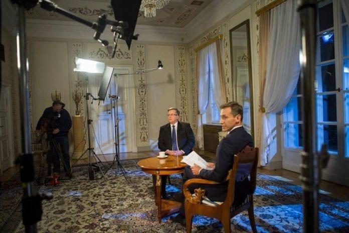komorowski_i_præsidentpaladset_2015_polennu