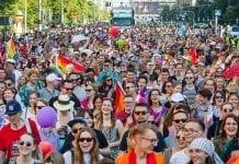 lgbt-parade-02