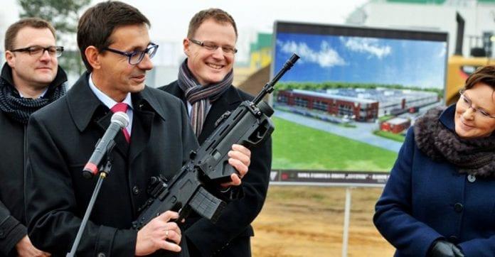 ny_polsk_våbenfabrik