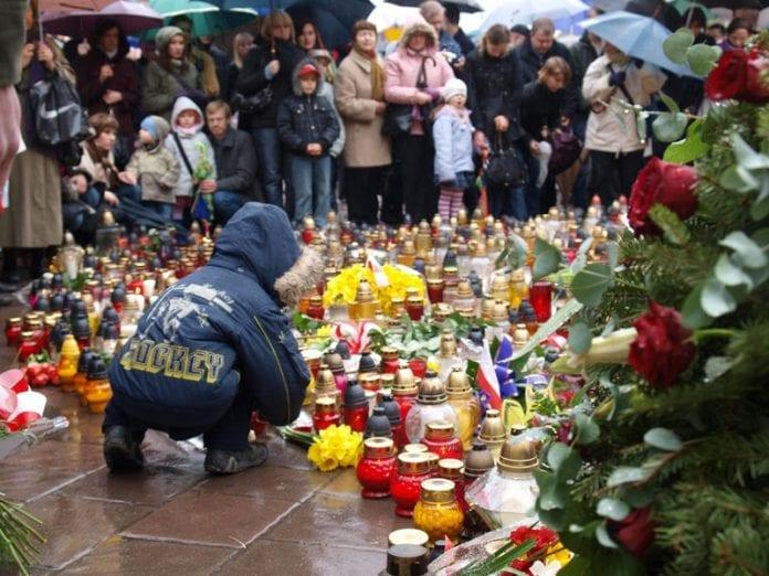 polakker_tænder_lys_og_mindes_1_november