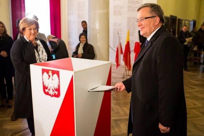 polens_præsident_stemmer_lokal_16_nov
