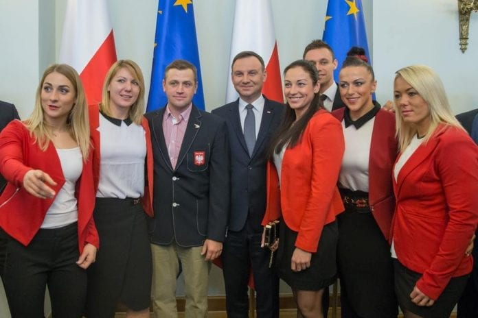 præsident_takker_sportsfolk_euro_2016_2015