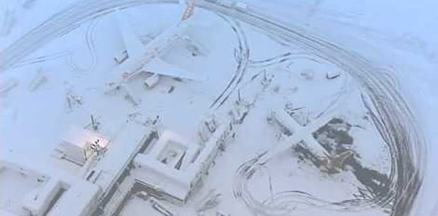 snow-closes-gatwick-airport