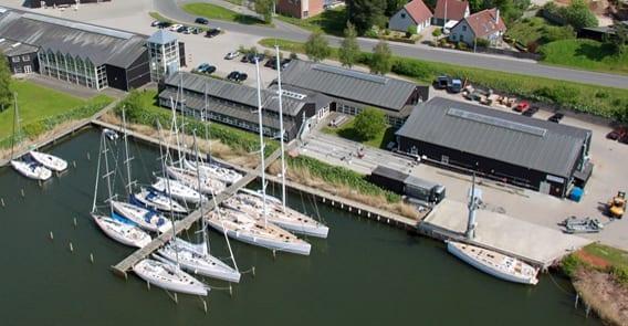 x_yacht_investerer_i_Polen