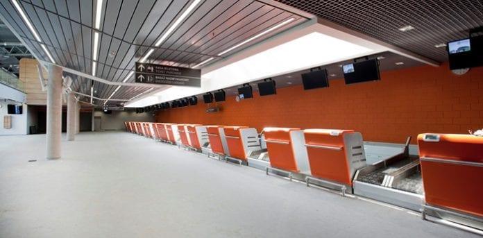 modlin_airport_ny_terminal