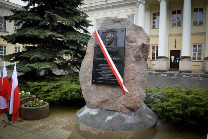 statue_for_afdoed_praesident_i_polen_er_ulovlig