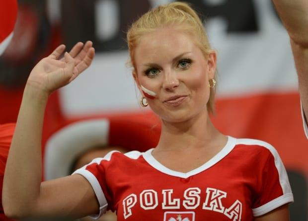polen_kvinde_fodbold_polen_ude_polennu
