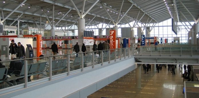 warszawa_lufthavn_martin_bager_polennu