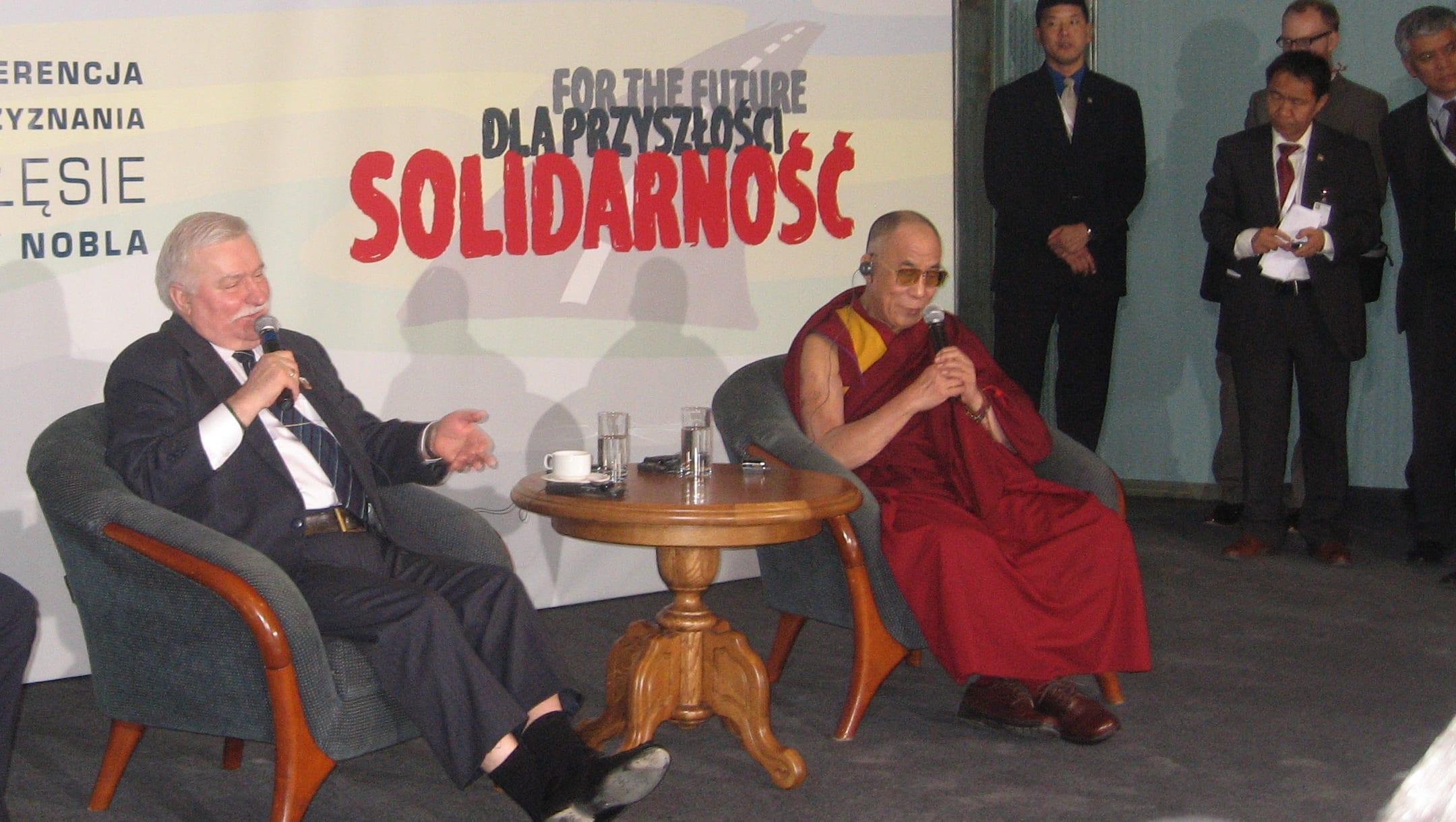 gdansk_lech_walesa_og_dalai_lama_polennu