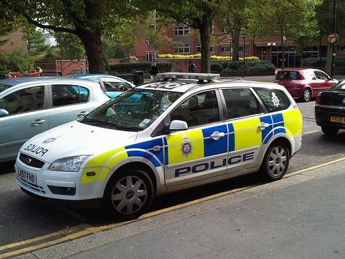 polak_overfaldet_britisk_politi