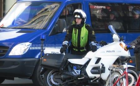 politiet_blev_angrebet_af_polske_fodboldfan_polennu