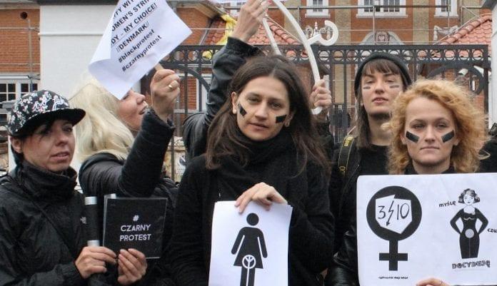 abort_polen_sorte_kvinder_protest_jens_moerch_polennu