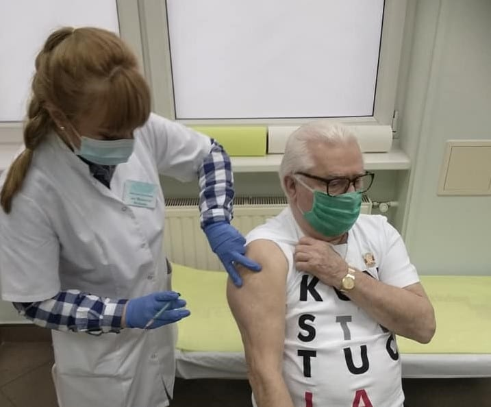 dagens corona tal lech walesa vaccineret