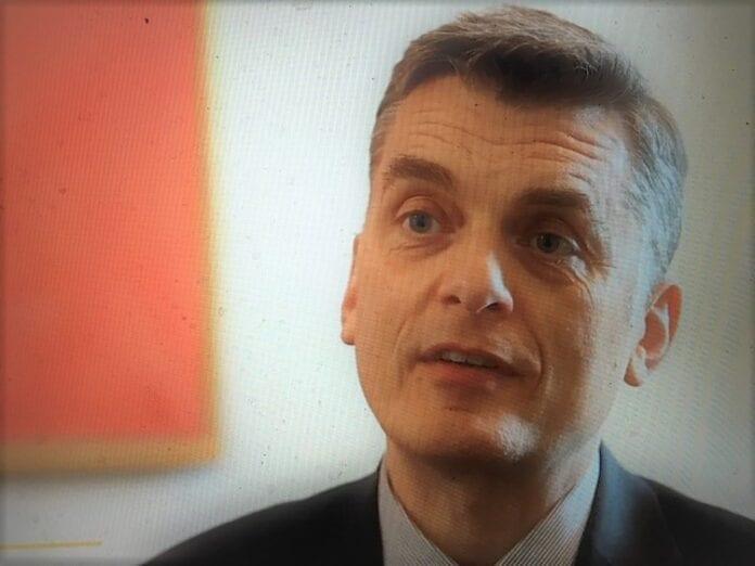 dansk støtte til regering i Warszawa
